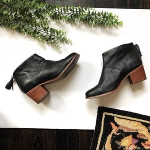 Toms Black leather Leila Boots size 9